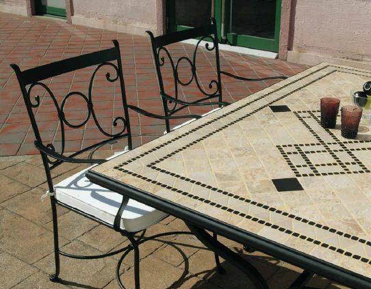 デルタ モザイクダイニングテーブル